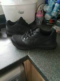 Nike mens trainers size 9