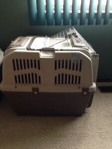 Travel Carrier/ Crate