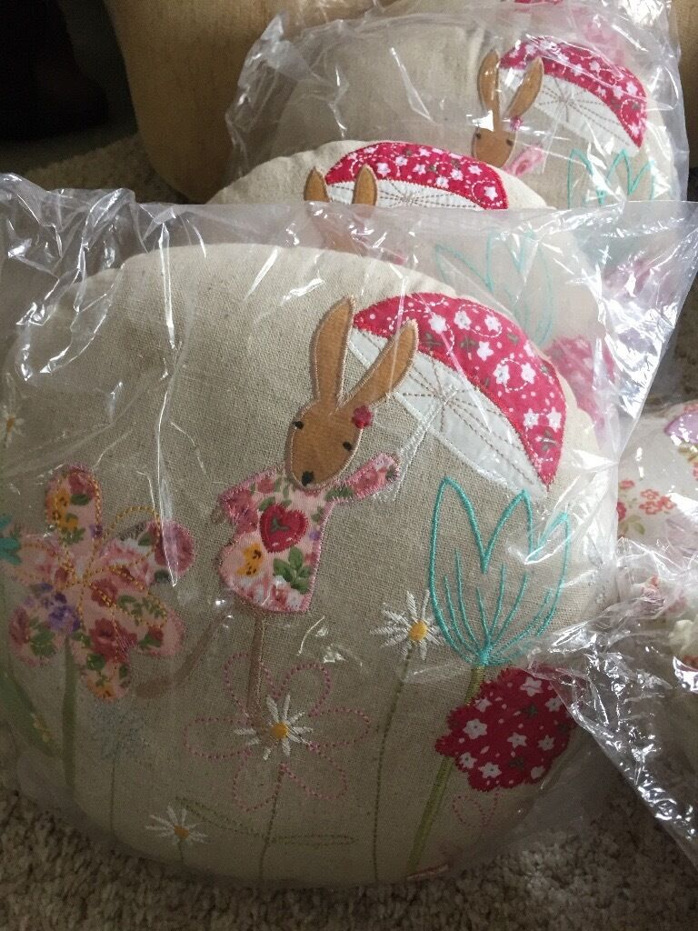 Cushions and buntingin Bradford, West YorkshireGumtree - Beautiful Cushions. Suitable Nursery , childs bedroom , playroom. Tooth fairy baby tooth holders Ballerina bunting and sailboat bunting All brand new stock. Over 60 items boys and girls all packaged. Over stock from a business
