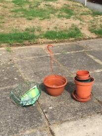 Garden Plant Pots and basket (New)