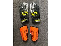 toddler football shin pads and keeper gloves