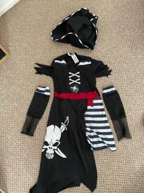 Pirate costume/dress up