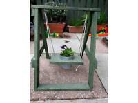 Swing planter