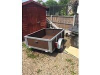 Car trailer box size 4half ft long 3half ft wide