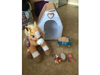 BUILD A BEAR PONY AND STABLE