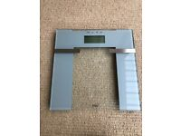Weight Watchers Glass Precision Weighing Scales