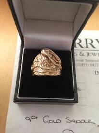Solid 9ct gold saddle ring