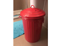 Beautiful Habitat Rustic Red Bin or Laudry bin (35L) with handles - in excellent condition