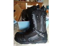 Burton Ladies Snowboarding Boots. Size 8. Barely Used.