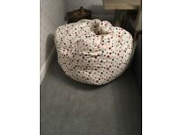 Supersize multicoloured star pattern beanbag