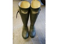 Childs size 4 Wellington boots - Willowdale - Green