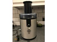 Philips juicer in anodised aluminium 700w motor - used