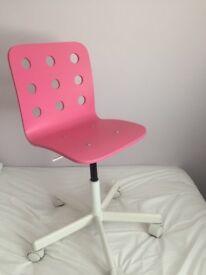 Girl's swivel chair