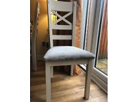 Oakland furniture extending table and 4 chairs(Cream)