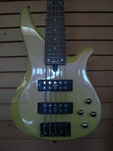 Bass 5 cordes Yamaha RBX-375
