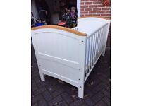 Henley Cot Bed – converts to toddler bed – complete with mattress and 2 fitted sheets.