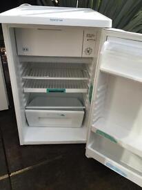 Zannusi undercounter small fridge and freezer