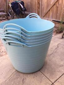 Large plastic containers (turquoise)