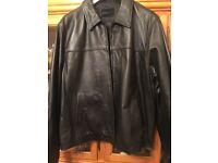 Men's quality leather jacket size xl in excellent condition