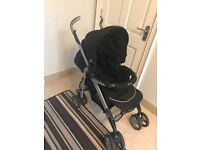 Silver cross 3D pram with car seat, isofix base and accessories in excellent condition.