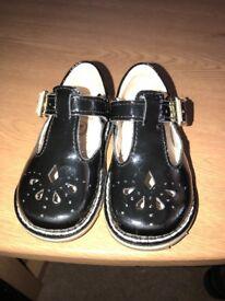 Clark's Baby girls shoes 4g