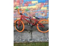 Mafia kush bmx used, some scratches and will need new tyre on one end . Brakes are fine