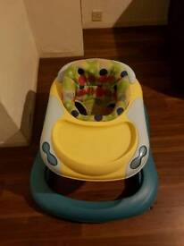 Baby walker chicco with food tray