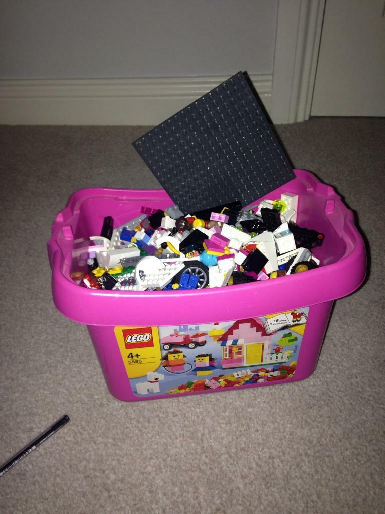 Box of mixed lego