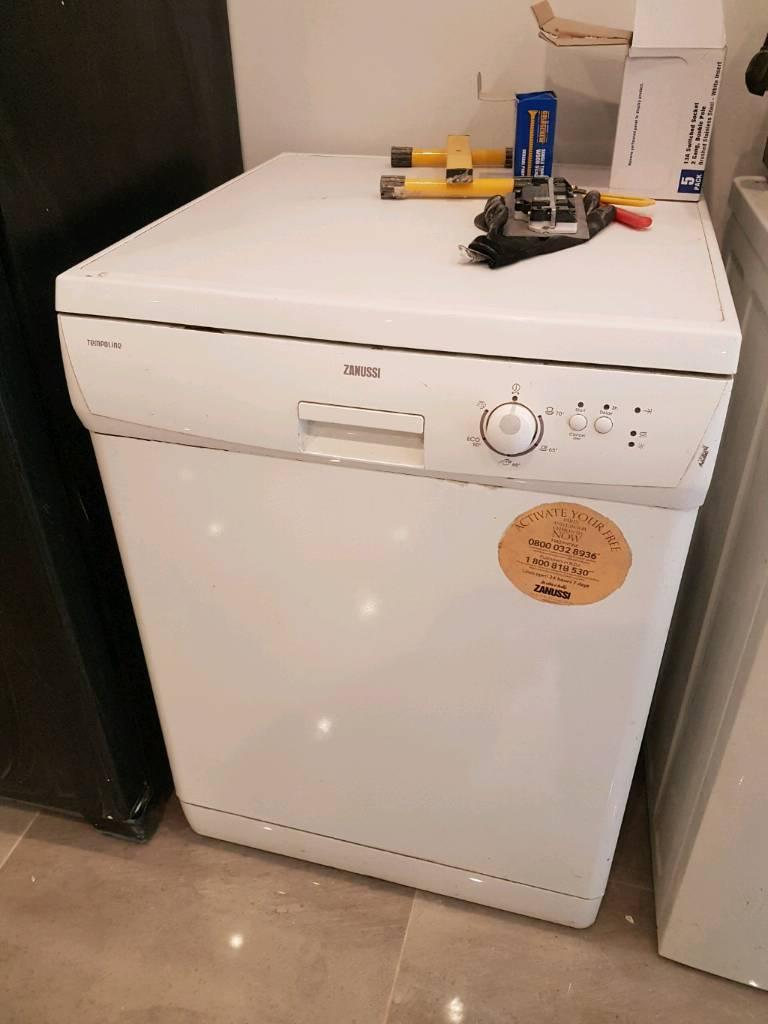 Zanussi dish washer