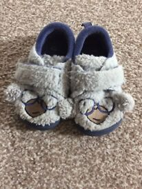 Boys clarks slippers 4 1/2G
