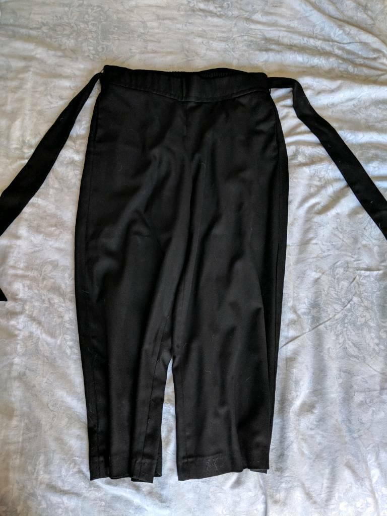 5917379a Zara wide leg bow front trousers - size large | in East London, London ...