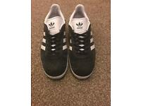 Adidas trainers in grey for women