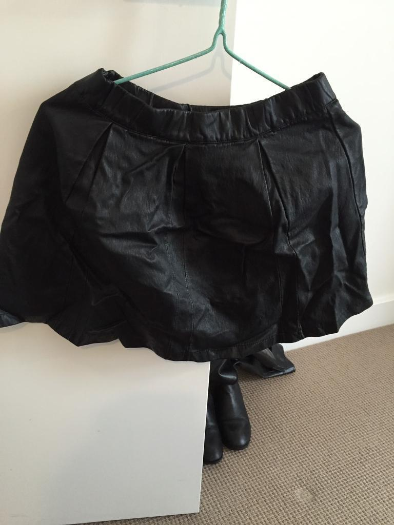 Synthetic leather skirt HM