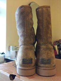 Women's mid ugg boots sand colour sz7 BNIB