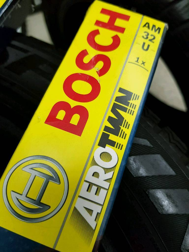 Bosch AM32U Windscreen Wipers NEW!!