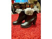 Black womens boots size 6