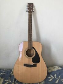 Newly bought guitar for sale as owner leaving the country