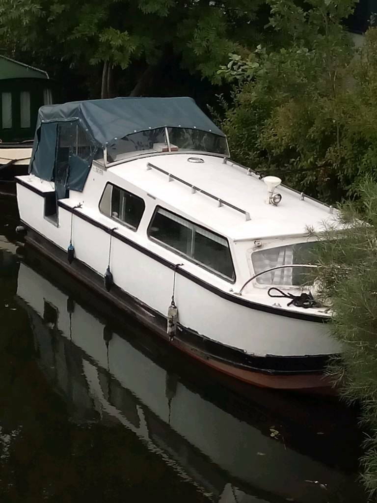 25FT DAWNCRAFT CABIN CRUISER CANAL BOAT WITH MOORING | in Leigh, Manchester  | Gumtree