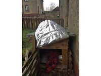 Insulated dog kennel