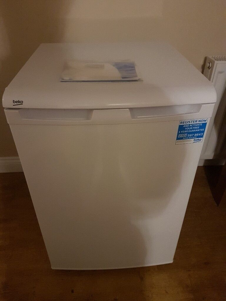 Beko lx5053w undercounter fridge.