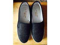 Black glitter shoes size 3