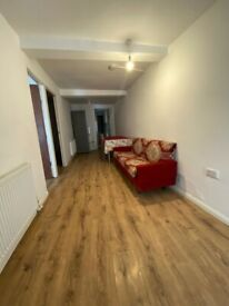 Spacious 2 Bed Ground Floor Flat Located In Manor Park E12
