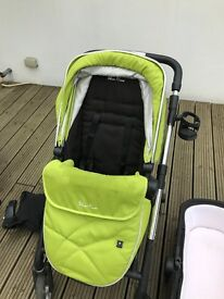 Silver cross wayfarer travel system with car seat ( Free)