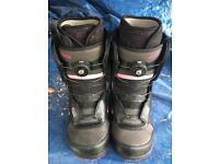 70e4637375 Vans Encore size 6 women s snowboard boots