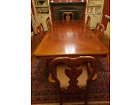 Large Carver, Venered Dining Room Table with 6 Up holstered matching Chairs