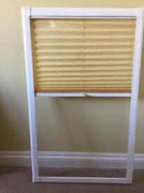 Blind to fit kitchen door window