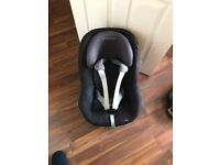 Maxi cosi pearl car seat with iso fox base