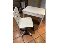 White desk and chair, only used for 4 months