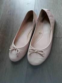 Size 3 pale pink ballet shoes!!!