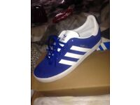 Brand new boxed ladies adidas size 5